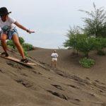 Pecinta Olahraga! Berani Adu Ketangkasan Sandboarding-mu di Padang Gurun-nya Jogja?