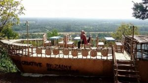 Serunya Bermain dan Belajar dari Atas Bukit Pohon Jati Watu Lumbung!