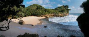 Pantai Sundak: Menunggu Mentari Tiba di Pesisir