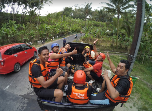 Perjalanan Little Ubud River Tubing