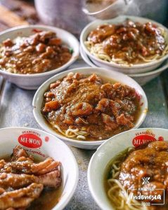 Kepoin Mie Ayam Tumini yang Konon Terjual 700 Porsi Per Harinya, Yuk!