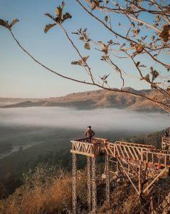 Bukit Panguk Kediwung Dengan Lautan Awan Yang Menyelimuti